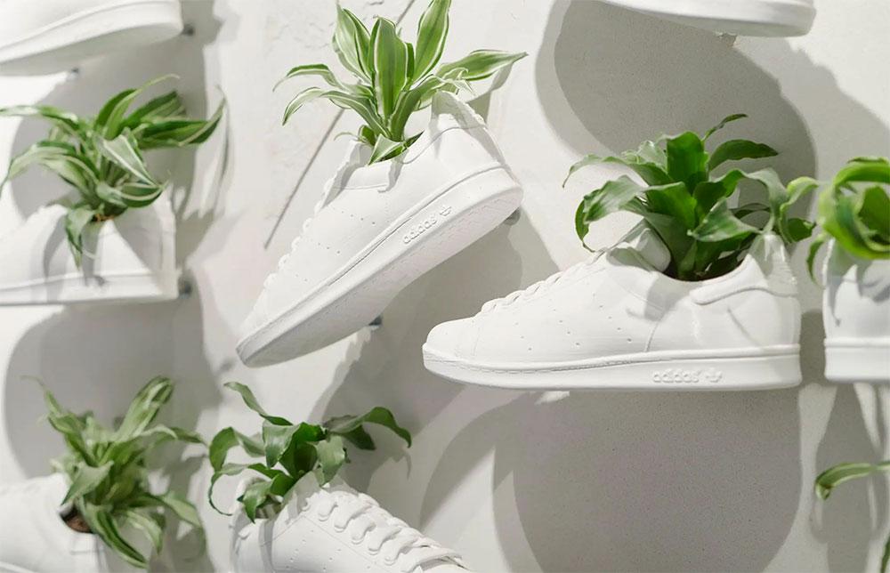 Adidas sta sviluppando una pelle di origine vegetale per la produzione di scarpe.